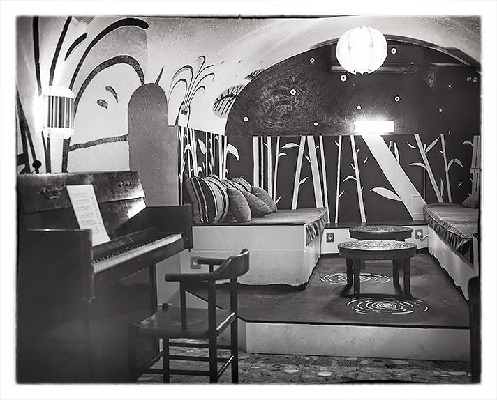 basement-club-3