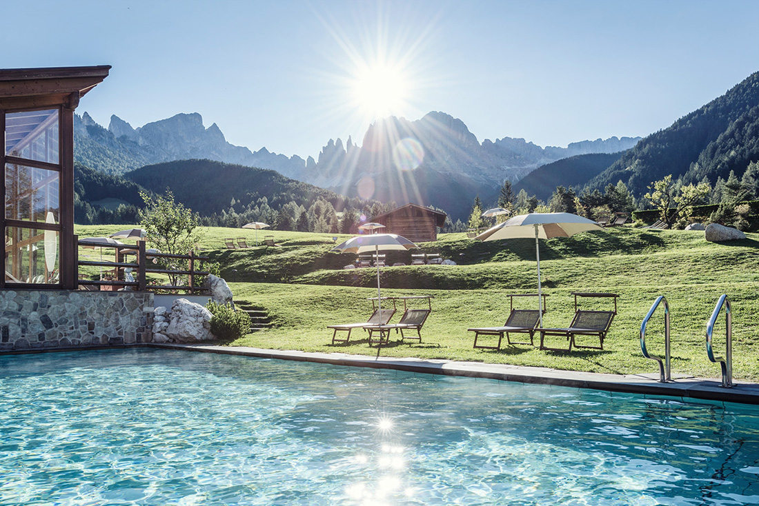 Roter hahn farmhouses in south tyrol pretty hotels for Bozen boutique hotel