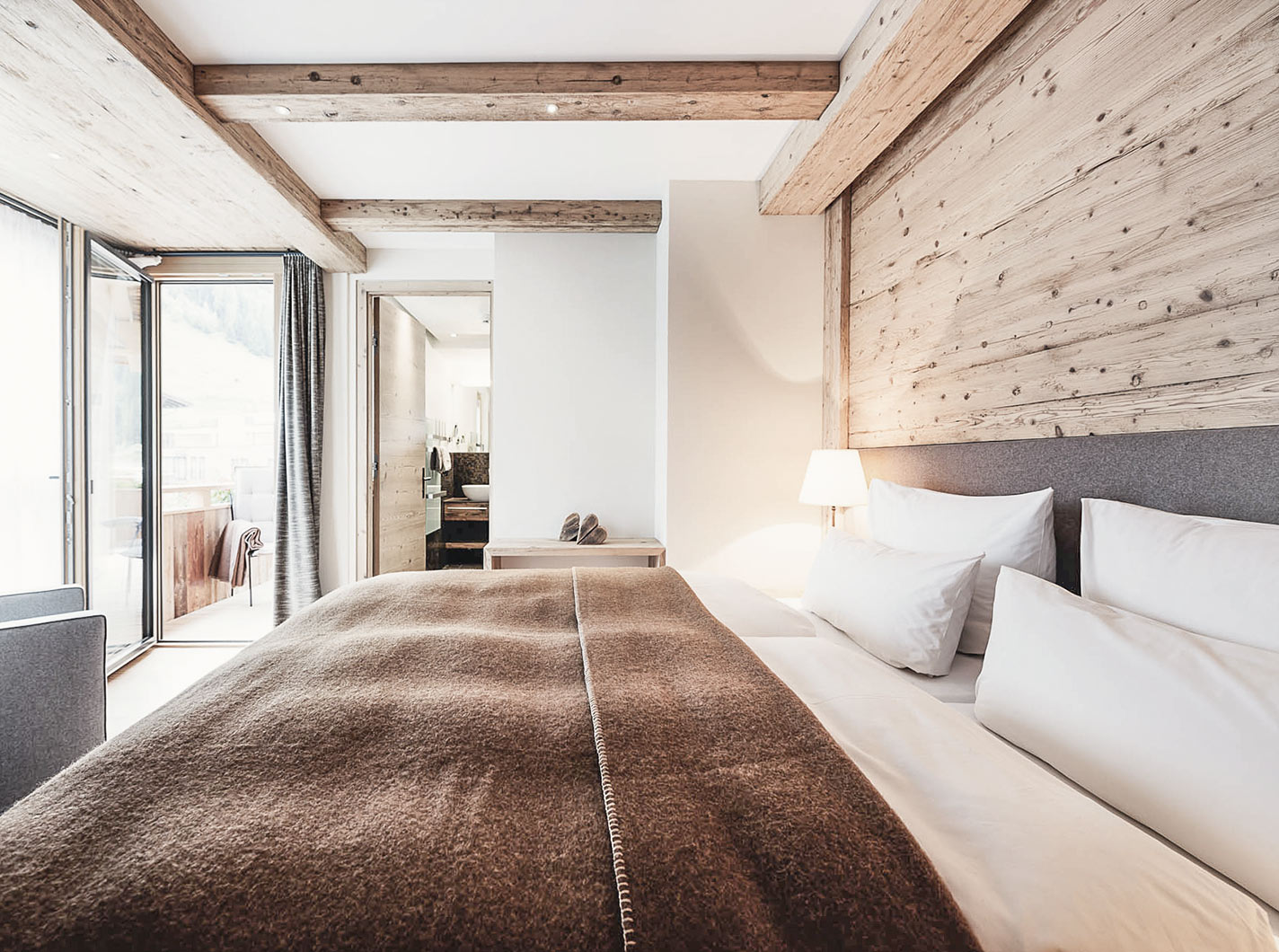 sch ne ferienwohnungen skiurlaub st anton sterreich pretty hotels. Black Bedroom Furniture Sets. Home Design Ideas