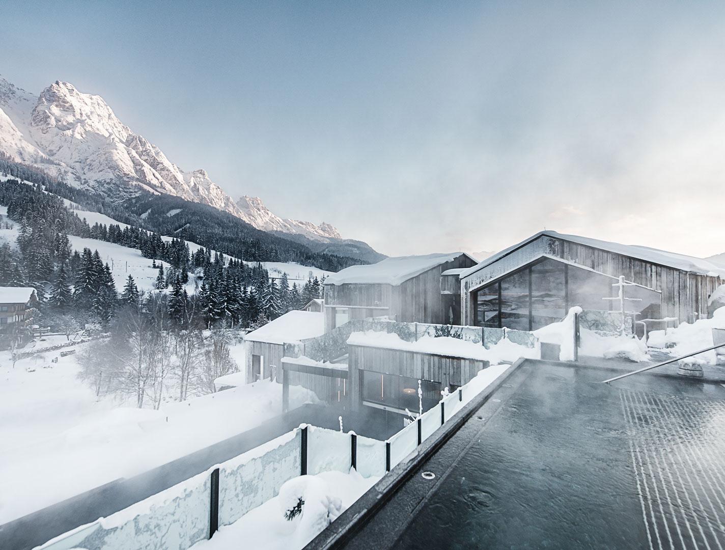 forsthofgut-winter-pool@2